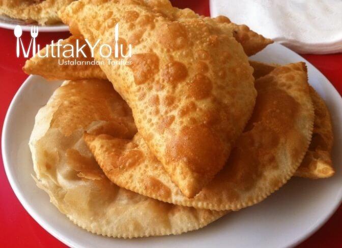 Eskişehir'in Çiğ Böreği Tarifi