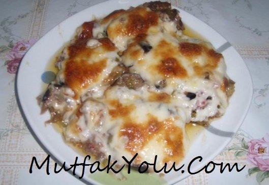 Bademli,Kaşar Peynirli Sebze Yemeği