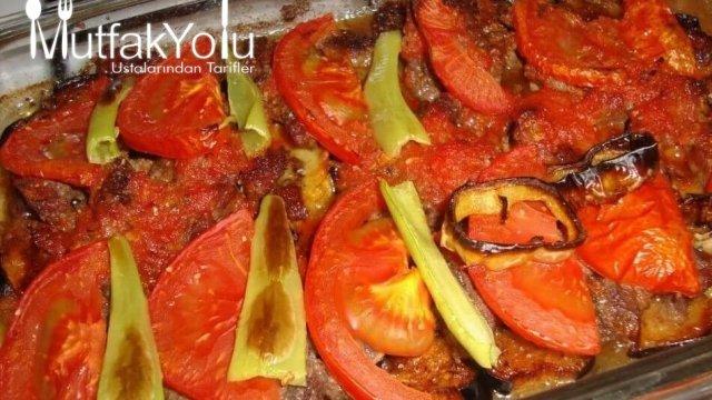 Fırında Mantarlı, Soğanlı, Biberli, Patlıcanlı Köfte Tarifi