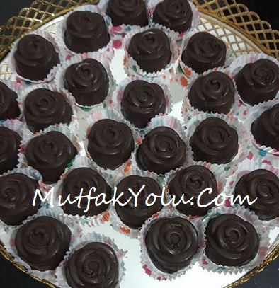 Çikolatalı Gül Tatlısı Tarifi