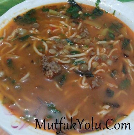 Malatya Usulü Erişte Çorbası
