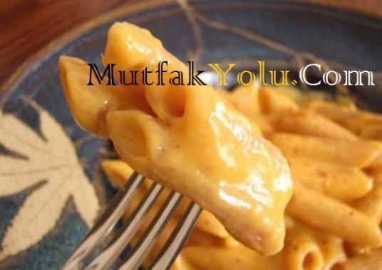 Tatlı Patatesli Peynirli Makarna Tarifi